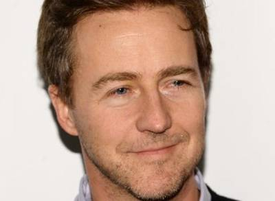 News video: Edward Norton Offers New Explanation For Not Playing Hulk In 'Avengers' Films